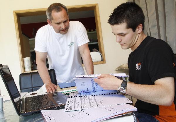 Quentin Michaud (à droite) en entretien avec Frédéric Jacquot, Président de la coopérative de la Ferté. (Photo © CIGC/Petit)