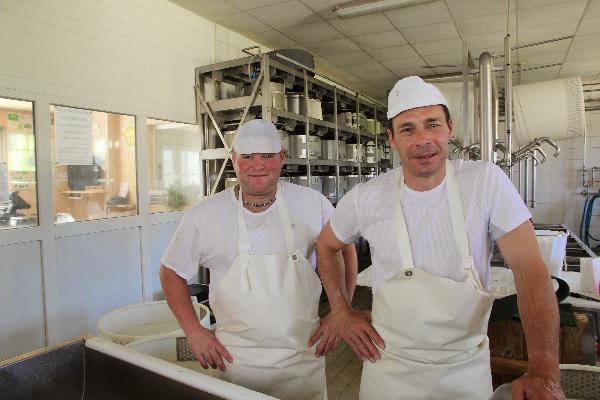 Christian Jacquet et Ludovic Bretillot, les fromagers. (photo © CIGC/Petit)