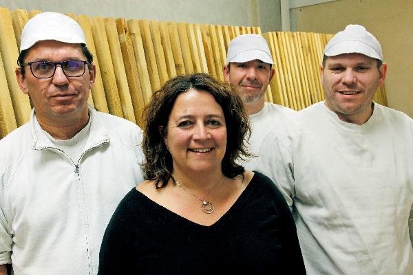 Sylvie Roy, avec ses trois salariés, Jean-François et les deux Sébastien.