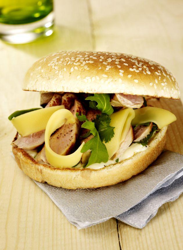 burger_de_veau_au_comte_et_roquette-cigc_image_et_associes.jpg