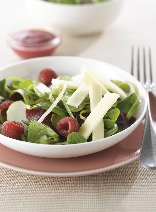 salade_rose_au_comte_jeune_pommes_betteraves_et_framboises-cigc_luk_thys.jpg